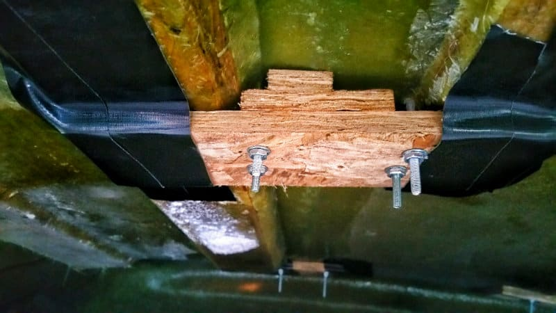 front-right-bolts_800x450