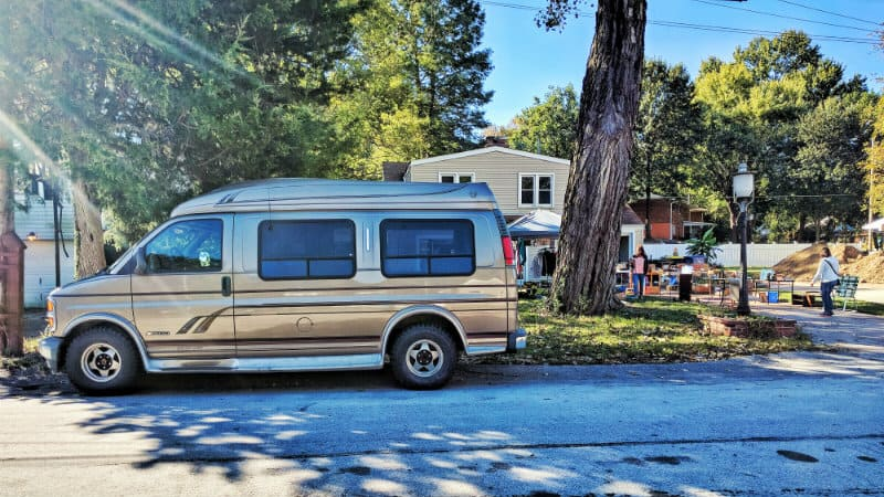 yard-sale-van-out-front