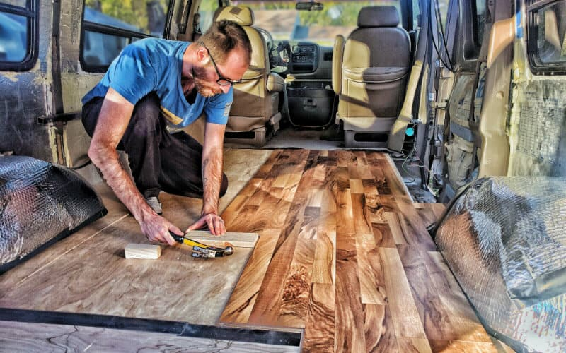 van build flooring installer