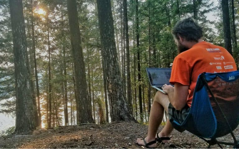 How to Find Internet While Living on the Road