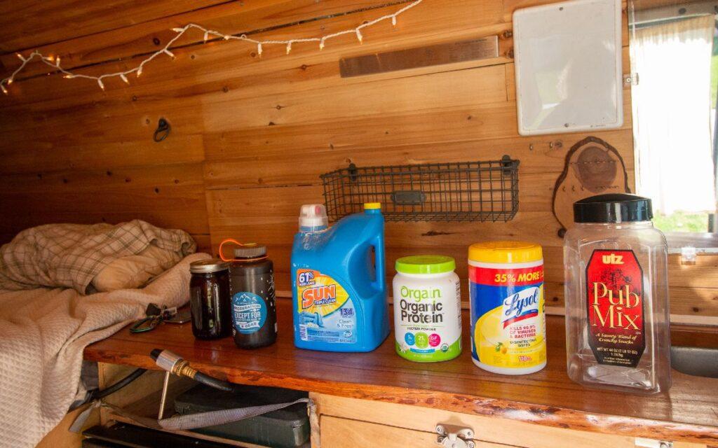 Things that make good vanlife pee jars